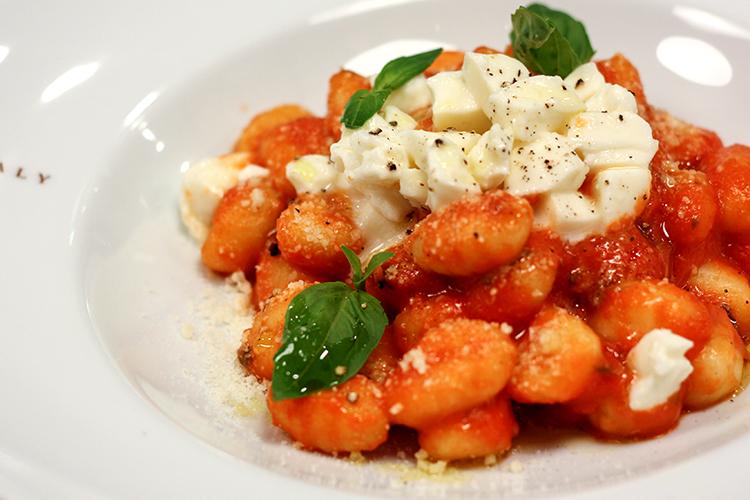 Italiensk pasta gnocchi alla sorrentina